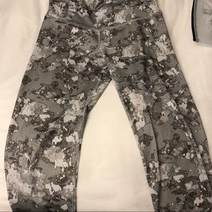 Army work out leggings